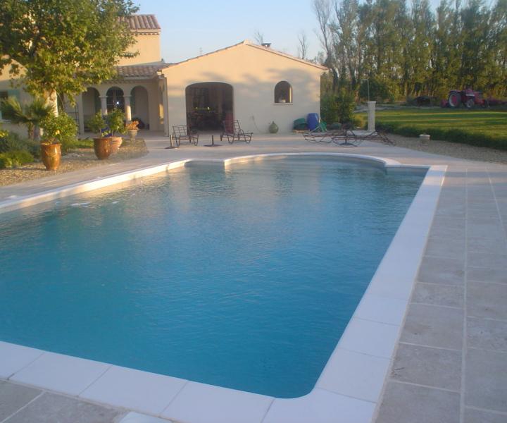Jean pierre piscine fils constructeur piscine for Piscine constructeur